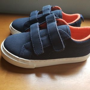 New without tags Gap toddler boy blue sneakers